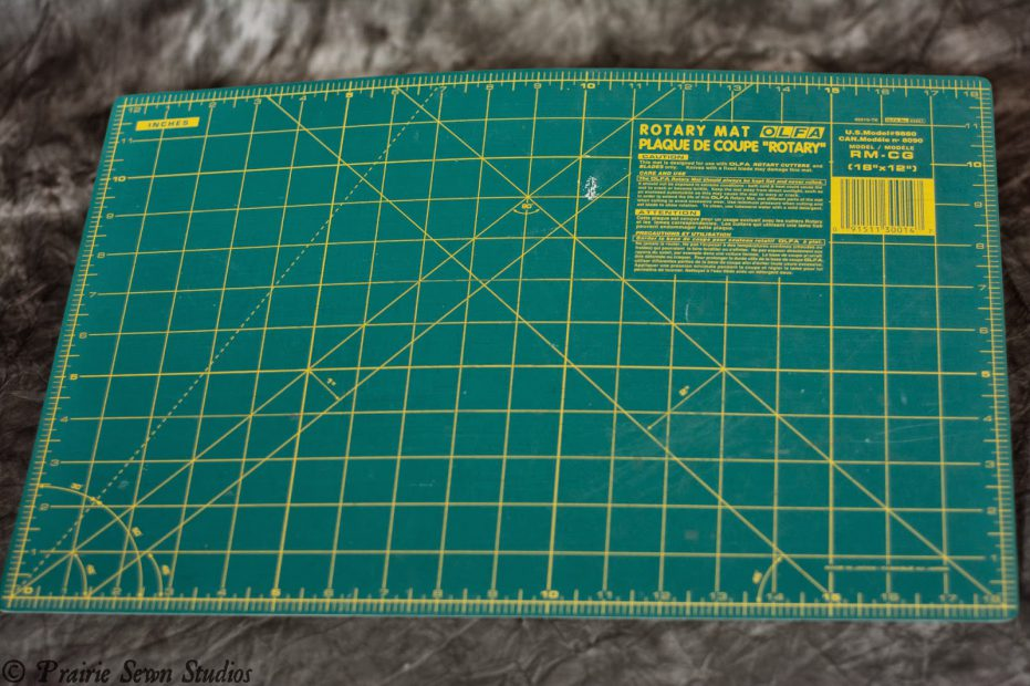 Self-healing cutting mat